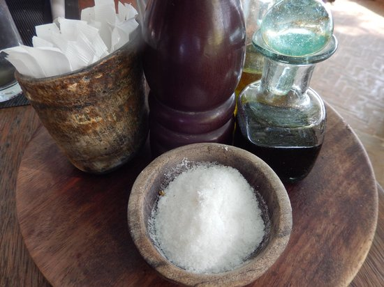 Lamu House Hotel: Condiments in the open area restaurant