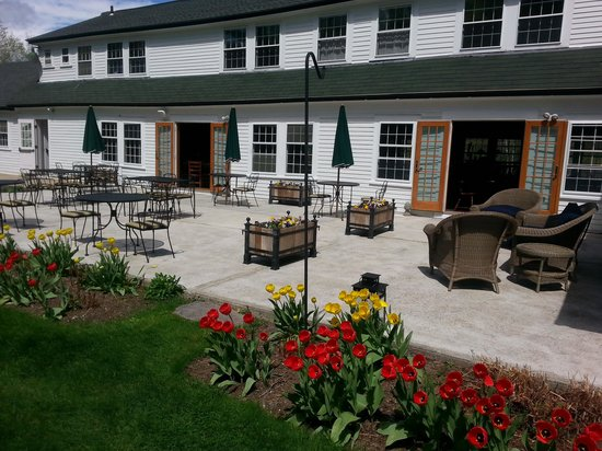 Horse and Hound Inn: Great day on the Patio