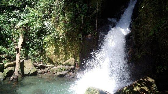 Bayugin Falls