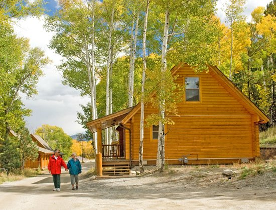 Mount Princeton Hot Springs Resort: Cabins for rent in Colorado