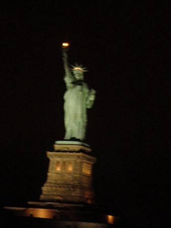 World Yacht : Statue of Liberty