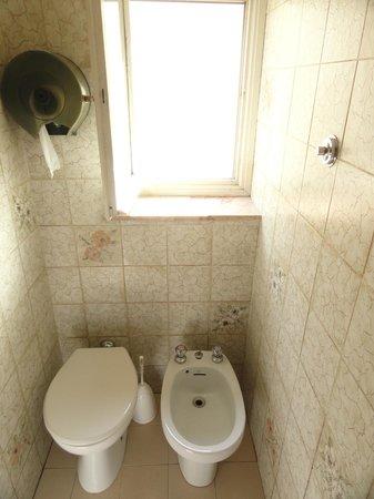 Hotel Hermes: Banheiro