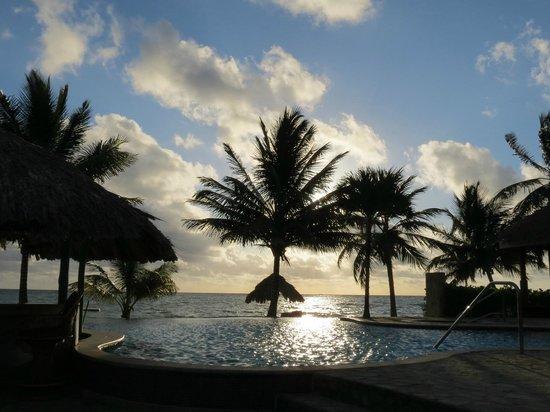 Almond Beach Resort & Spa : pretty pool
