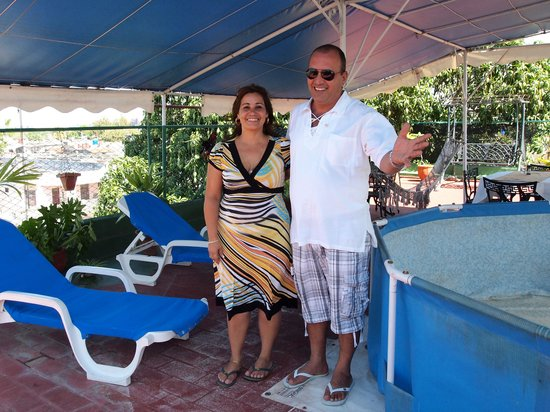 Tania & Adrian Hostel: The friendly owners