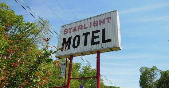 Starlight Motel Sign