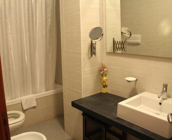 Camera con Vista: la salle de bain