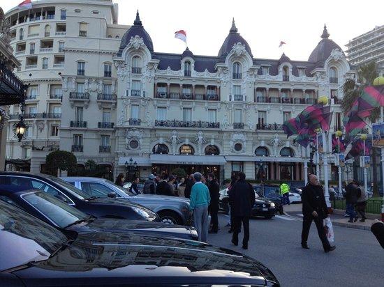 Casino Cafe de Paris: Watch the Cars and People