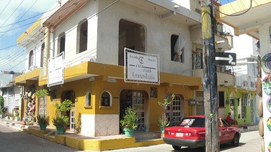 Hotel Marcianito : Laundry