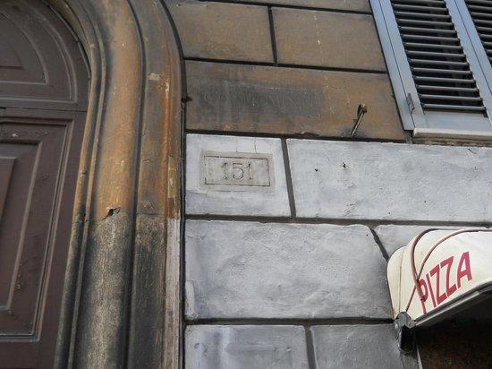 Rose Santamaria Residence: numero civico