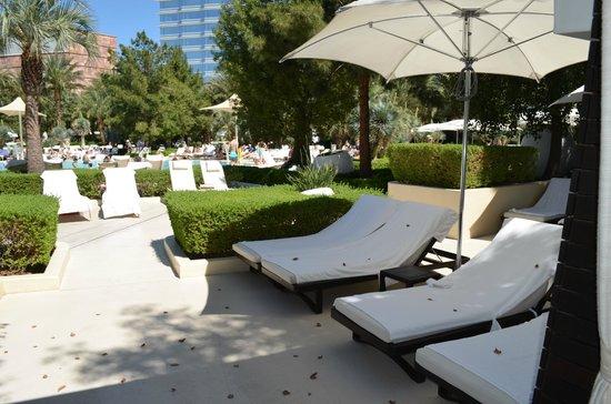 Beau ARIA Resort U0026 Casino: Private Lounge Chairs With Cabana Rental