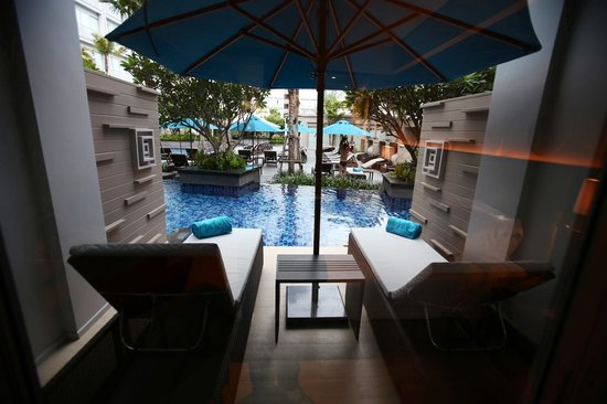 Grand Mercure Phuket Patong: Great view when u wake up in the morning!!