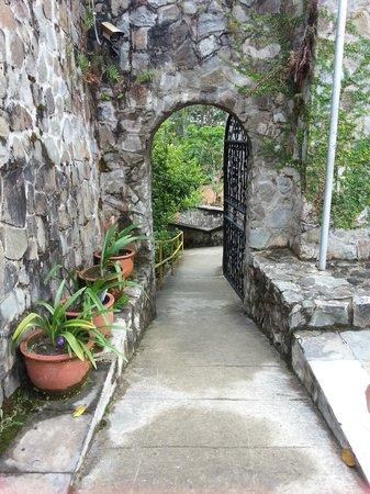 Kundasang War Memorial: Contemplation Garden