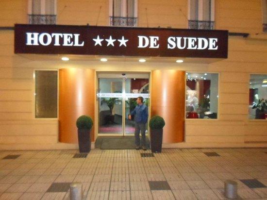 Hotel Suede : en la Puerta del hotel