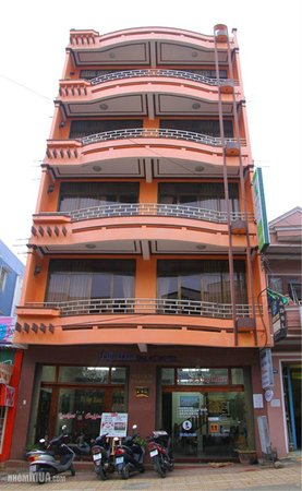 Tulip Xanh Dalat Hotel: Hotel & grounds