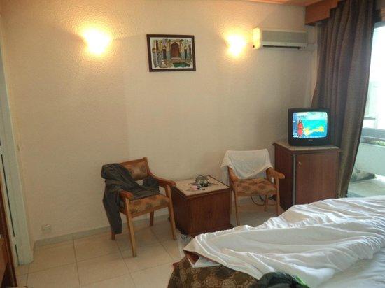 Hotel InterContinental : Decoración, TV, Aire acondicionado