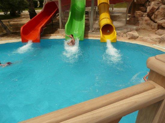 Hotel Marhaba: pool slides