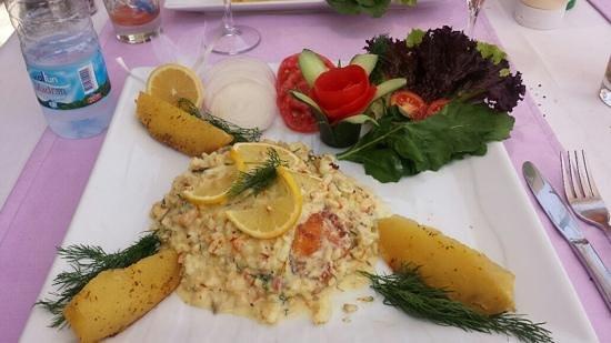 Seaport Restaurant: stuffed sea bass with creamy shrimp sauce
