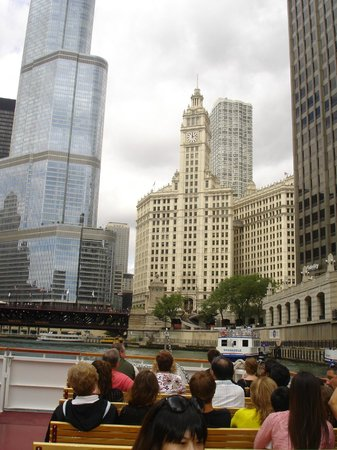 Chicago's First Lady Cruises: Chicago from the river