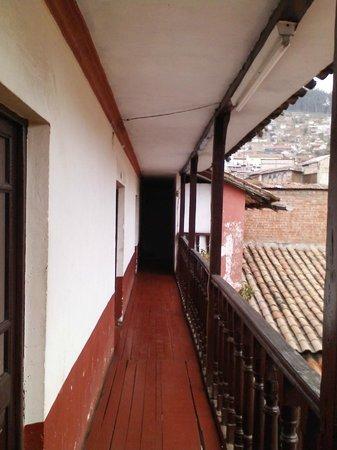 Estrellita: Vue sur la coursive du premier etage