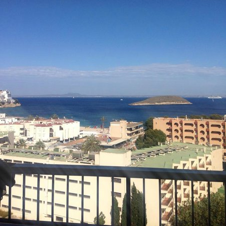 Sol y Vera Apartments: The view from room 909!