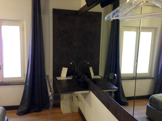 HiSuiteRome: Bedroom