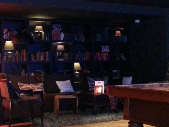 pentahotel Birmingham: Lounge at 2am