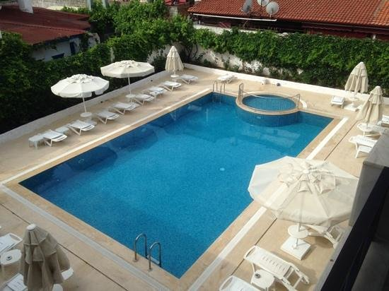 Uysal Apart: pool view