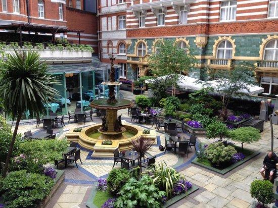 St. James' Court, A Taj Hotel: Garden side