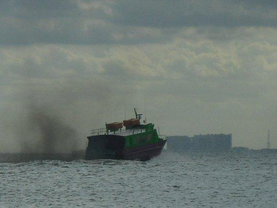 Caribbean Brisas: Slow ferry
