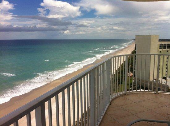 Radisson Suite Hotel Oceanfront: Love the Balcony