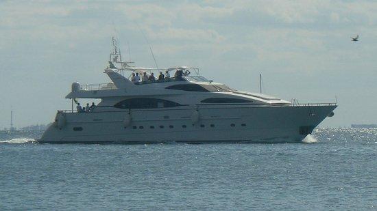 Caribbean Brisas: Yacht