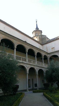 Monastery of San Juan de los Reyes: Дворик