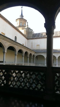 Monastery of San Juan de los Reyes: Внутренний дворик