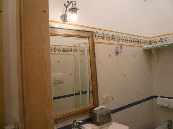 Royal Prisco Hotel: bagno