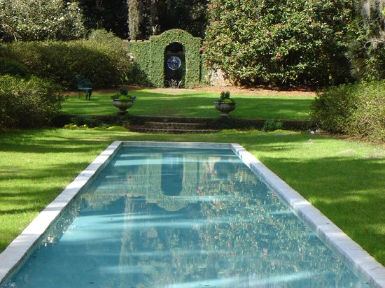 Alfred B. Maclay Gardens State Park : Reflecting pool