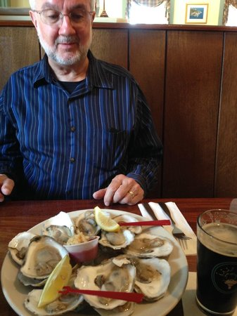 King Eider's Pub : Relishing the experience.