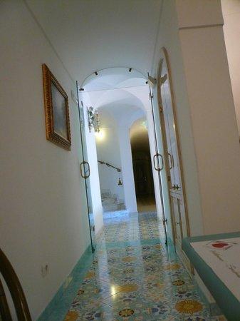 Royal Prisco Hotel: corridoio dell' hotel