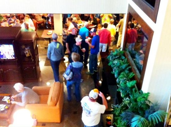 Drury Inn & Suites Nashville Airport: Happy Hour/Dinner (view from room balcony)