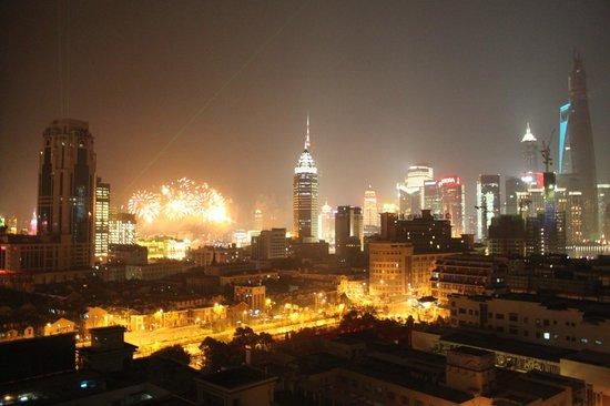 Renaissance Shanghai Yu Garden Hotel: カウントダウンの花火