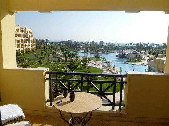 Steigenberger Al Dau Beach Hotel: :-)
