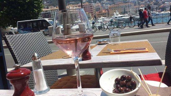 In Vino Port : Terrasse au soleil,  apéro rosé