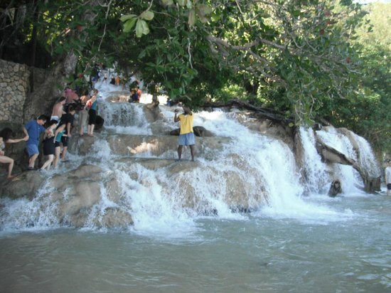 Dunn's River Falls and Park : Starting up
