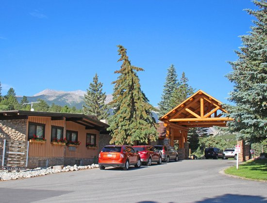 Mount Princeton Hot Springs Resort : Mount Princeton Lodge