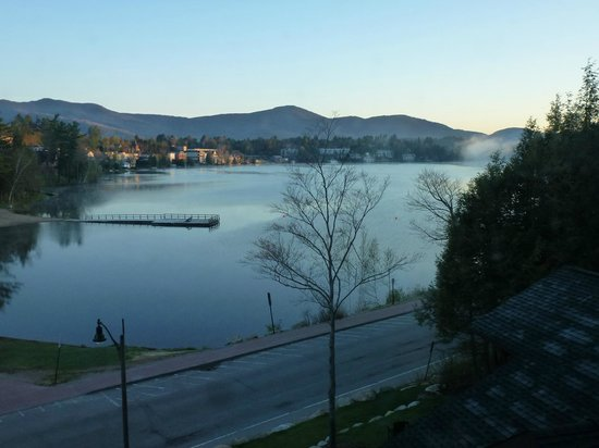 Hampton Inn & Suites Lake Placid: Morning view from our room