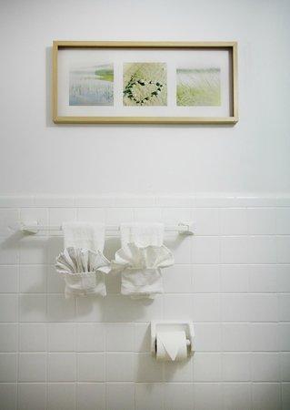 Lorraine Hotel: Bathroom