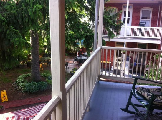 Brickhouse Inn Bed & Breakfast: I miss this balcony