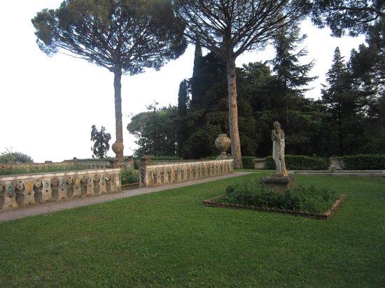 Il terrazzo dell 39 infinito picture of villa cimbrone gardens ravello tripadvisor - Giardini di villa cimbrone ...