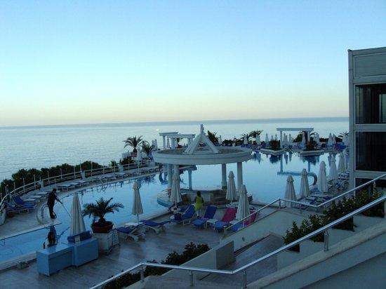 Korumar Hotel De Luxe : Piscina