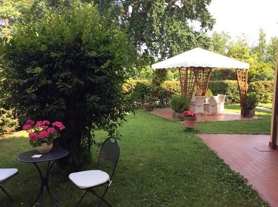 La Quercia Antica: gazebo giardino