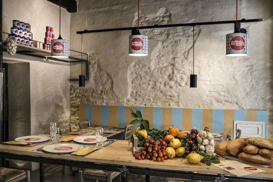 Bella Ischia : Interno della Pizzeria a Gubbio